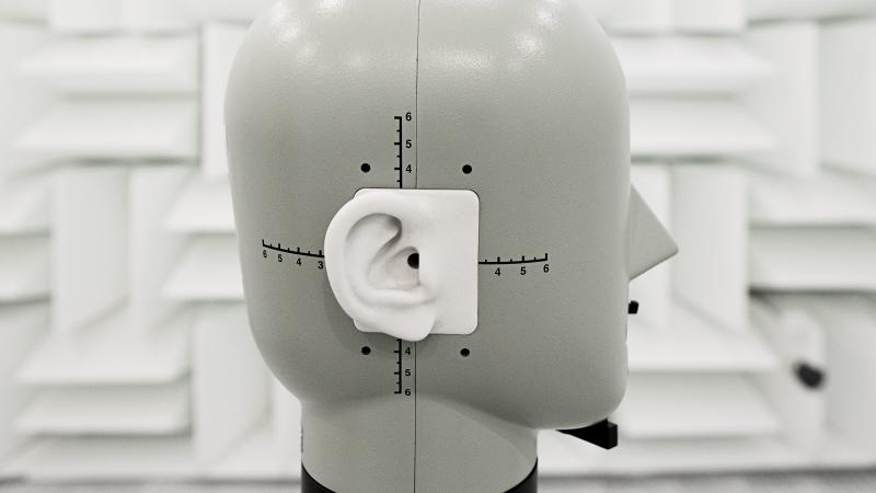 Dansk høreapparatklynge vil slås, til blodet sprøjter