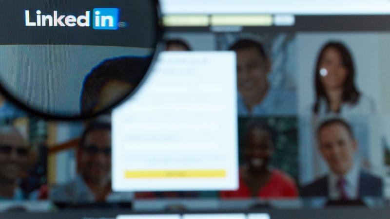 Få dig en fængende LinkedIn-overskrift